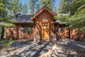 Perfect Cabin in the woods in lower Tahoe Donner